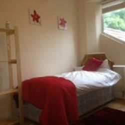 Nags Head Hill red bedroom