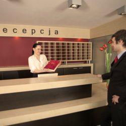 Receptionist 4